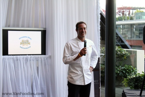 Chef Bruce Bromberg speaks to the crowd
