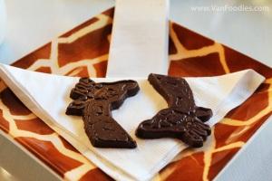 Giraffe Chocolate to Finish