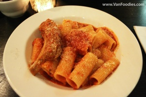 Rigatoni with Tomato Sauce & Baby Back Rib