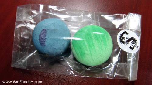 A little package of macarons from Soirette