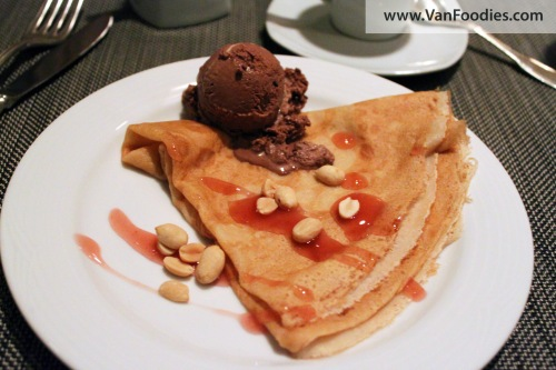 Crepe with ice cream