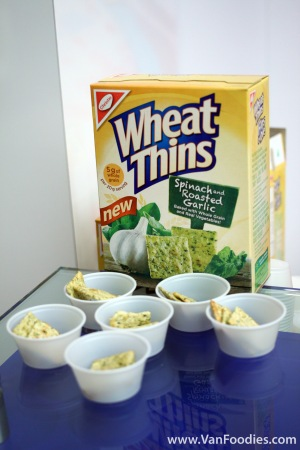 Spinach and Roasted Garlic Wheat Thins