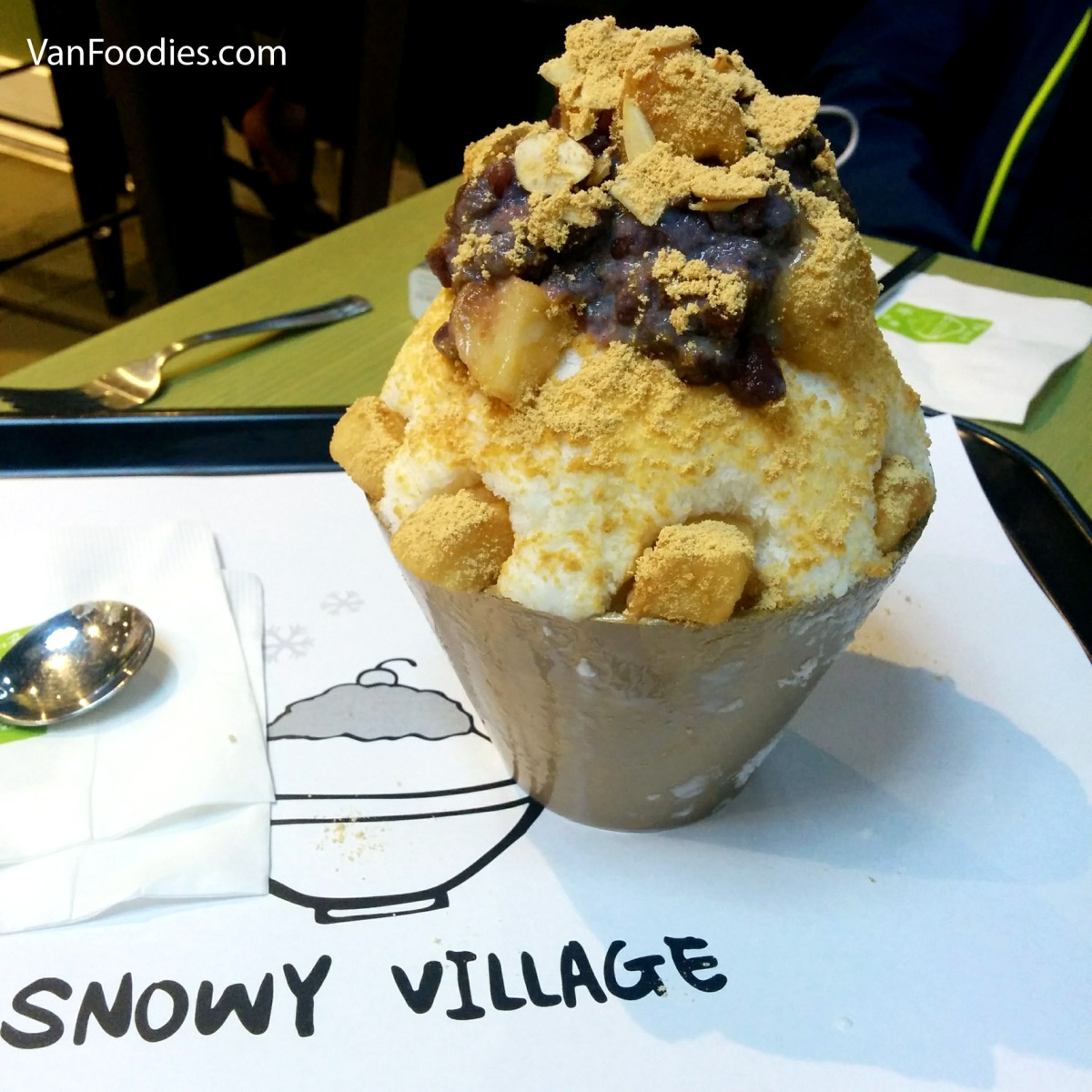 Snowy Village Richmond - Line Up for Bingsoo!