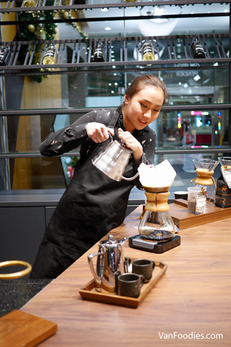 Starbucks Reserve West Pender 03